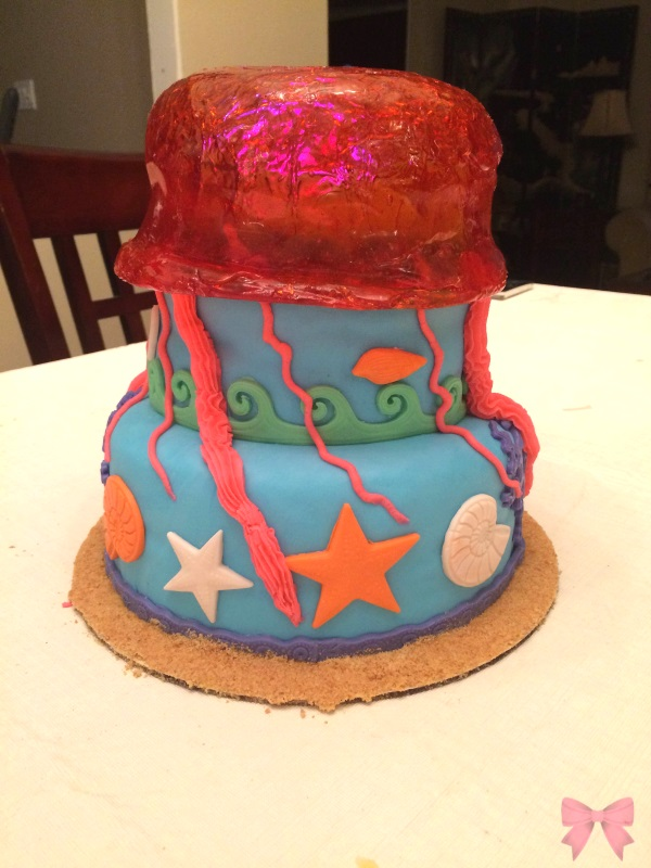 Jellyfish ocean-themed cake (Taylor Made Sweets and Treats)