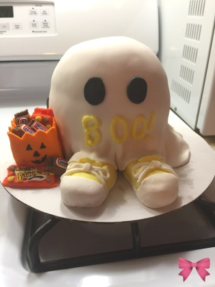 Halloween-themed gender reveal cake - Taylor Made Sweets and Treats
